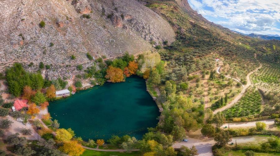 Het Zaros meer op Kreta