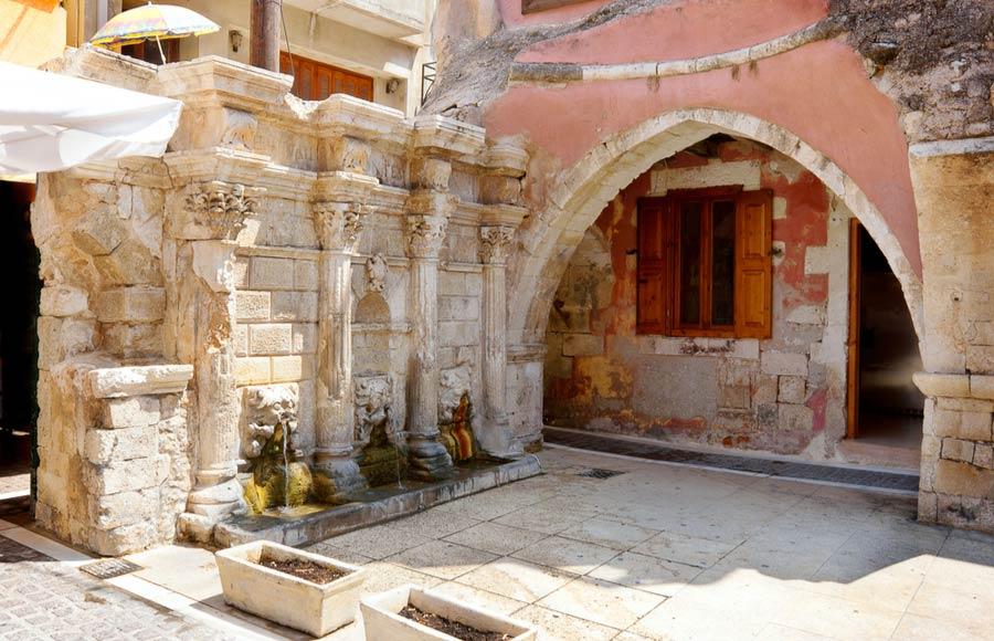 Plein met Rimondi fontein in Rethymnon